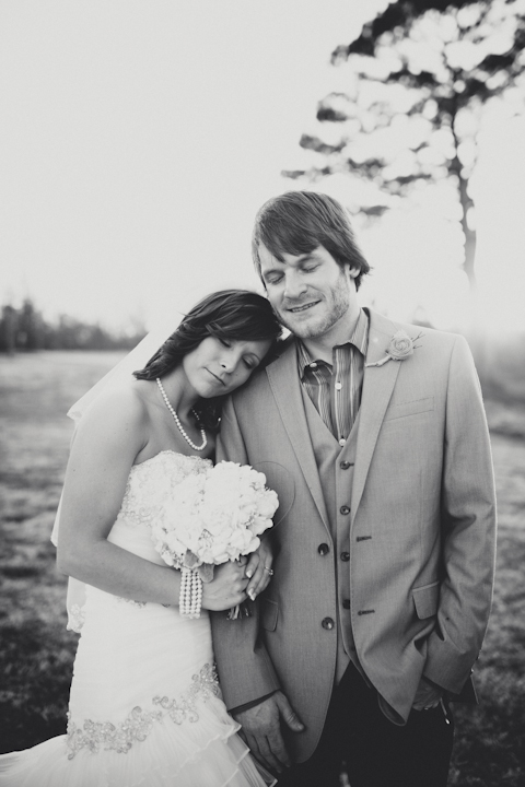 Romantic Farm Wedding // MICHELLEMARIEPHOTOGRAPHY.COM