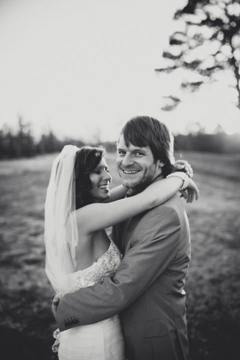 Romantic Farm Wedding // MICHELLEMARIEPHOTOGRAPHY.COM